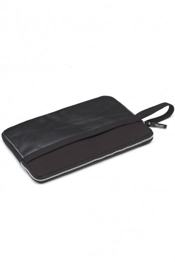 LAPTOPSLEEVE_15_BLACKLEATHER