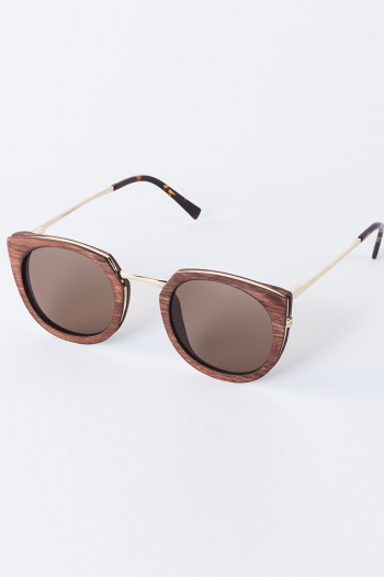 Waiting For The Sun Belair in oakwood cognac